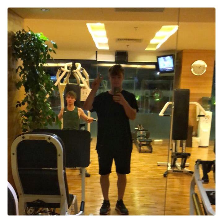 The boys work out! @Romanlochmann