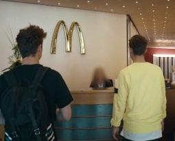 Auf Zu McDonalds !